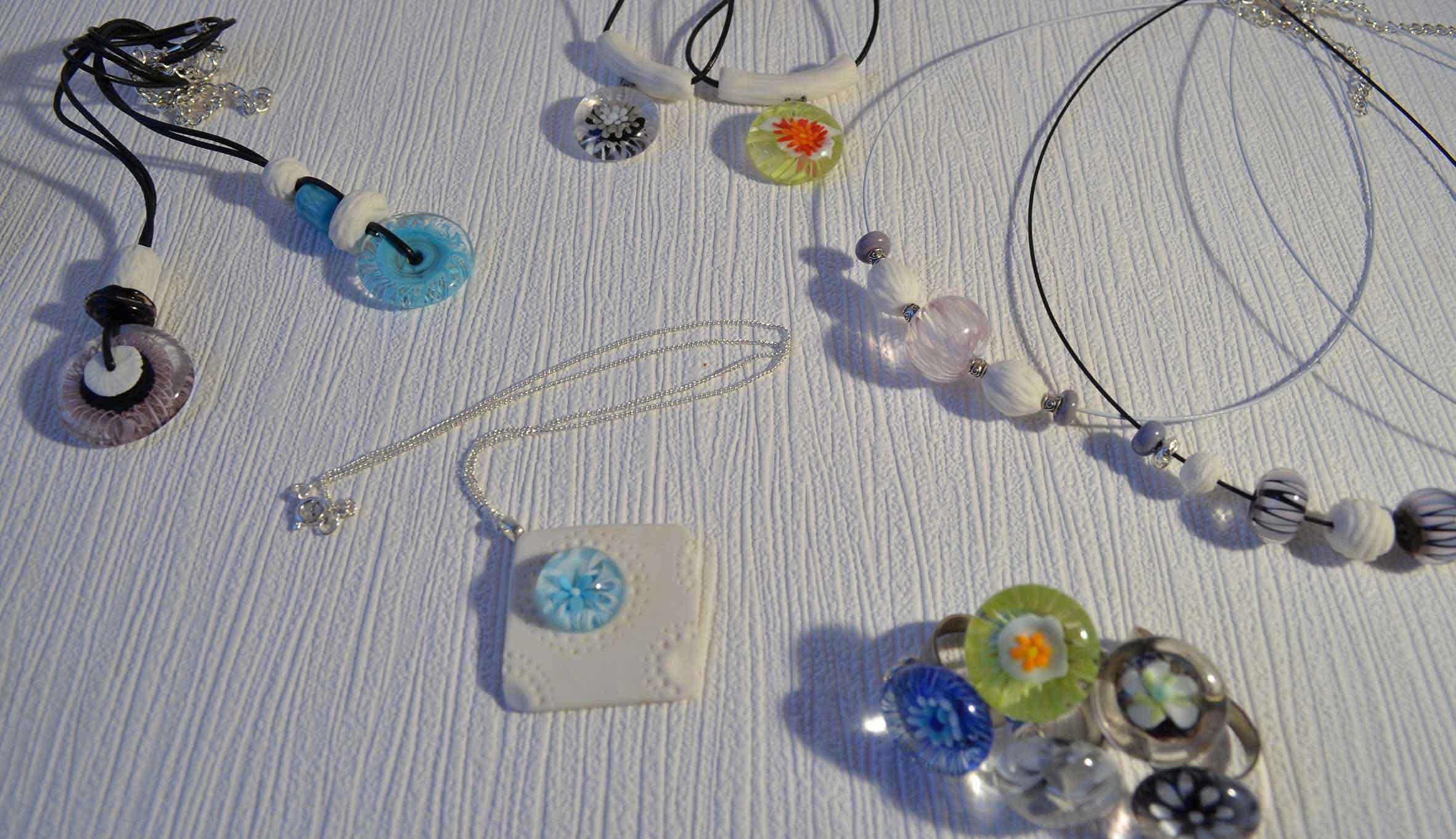 bijoux-perle-de-verre-porcelaine